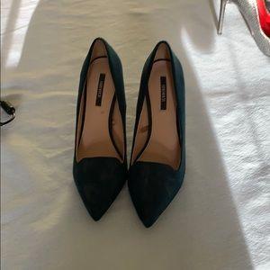 Size 6.5 hunter heels